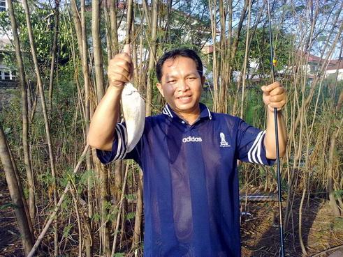 """ปลาช่อนตัวแรก ในชีวิตการตกปลา ^^"""""""