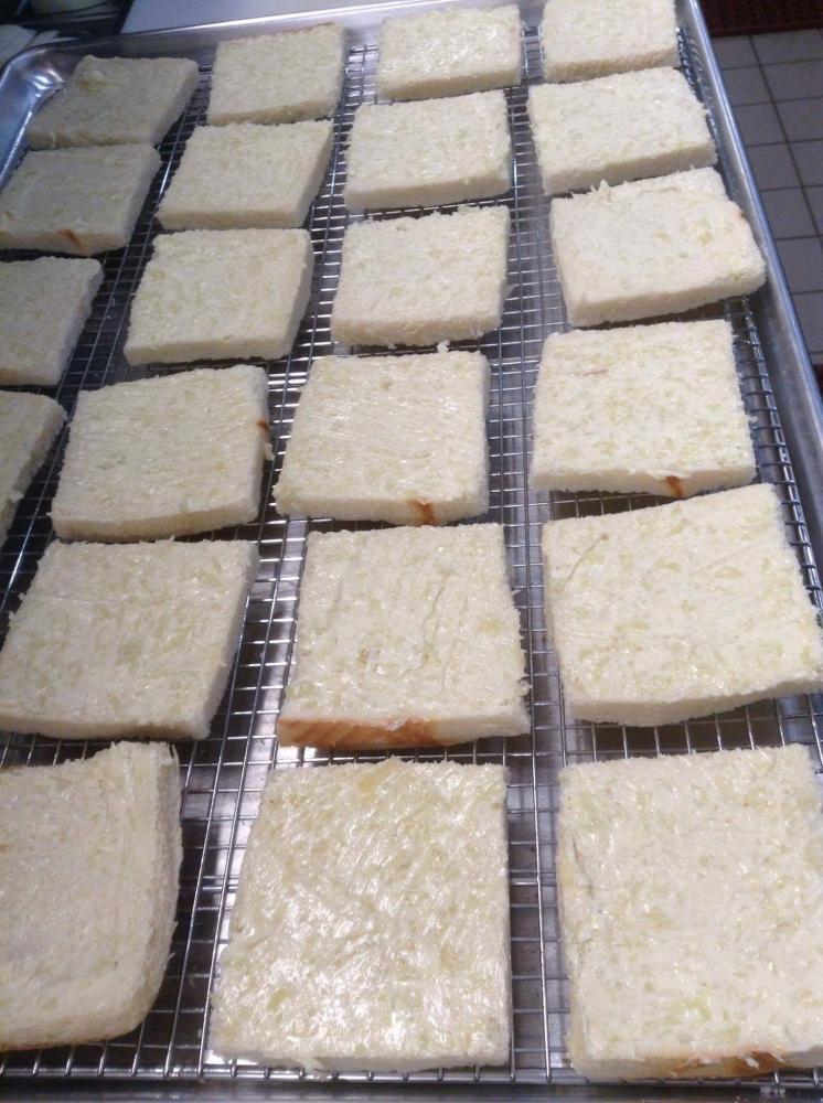 ขนมปังกระเทียมทำง่าย อร่อย.