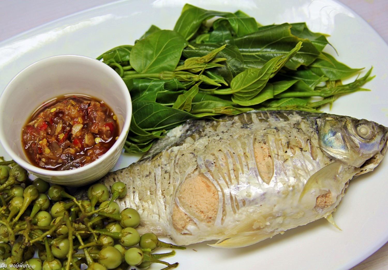 อร่อยง่ายๆ นึ่งปลาผักนึ่งจิ้มแจ่ว